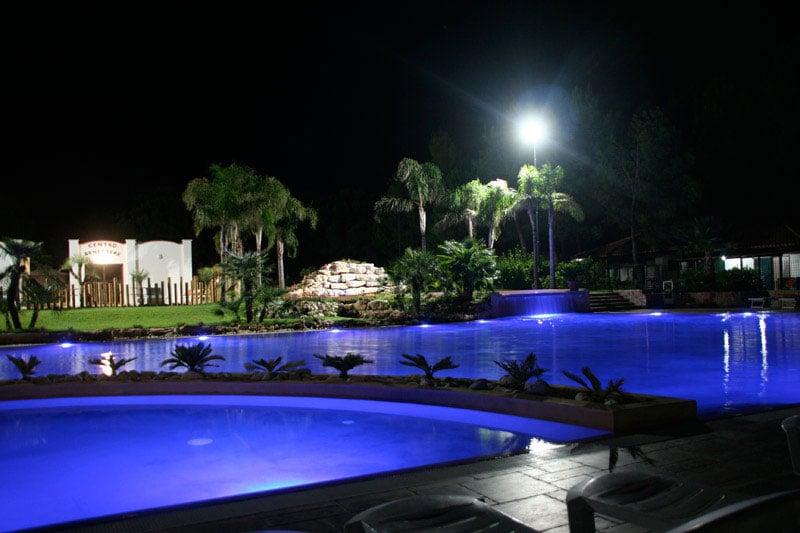 Campeggi con piscina sul gargano villaggio camping siesta for Cloro nelle piscine